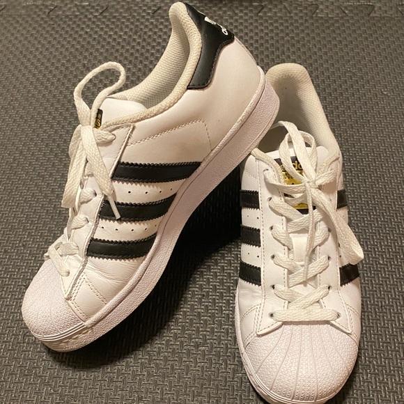 Adidas Superstar Big Kids Size 4